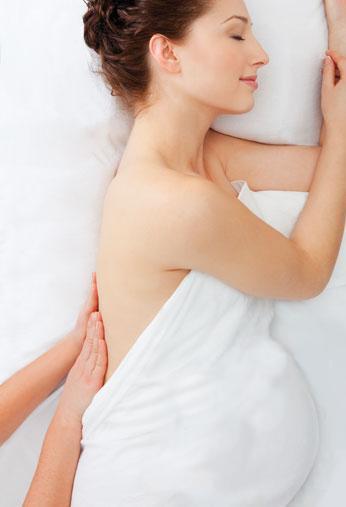 masaż prenatalny kobiety w ciaży